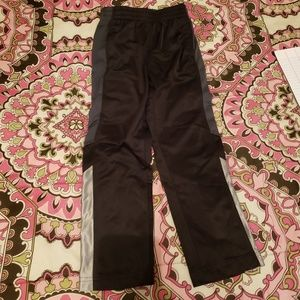 Athletic works sweats size small